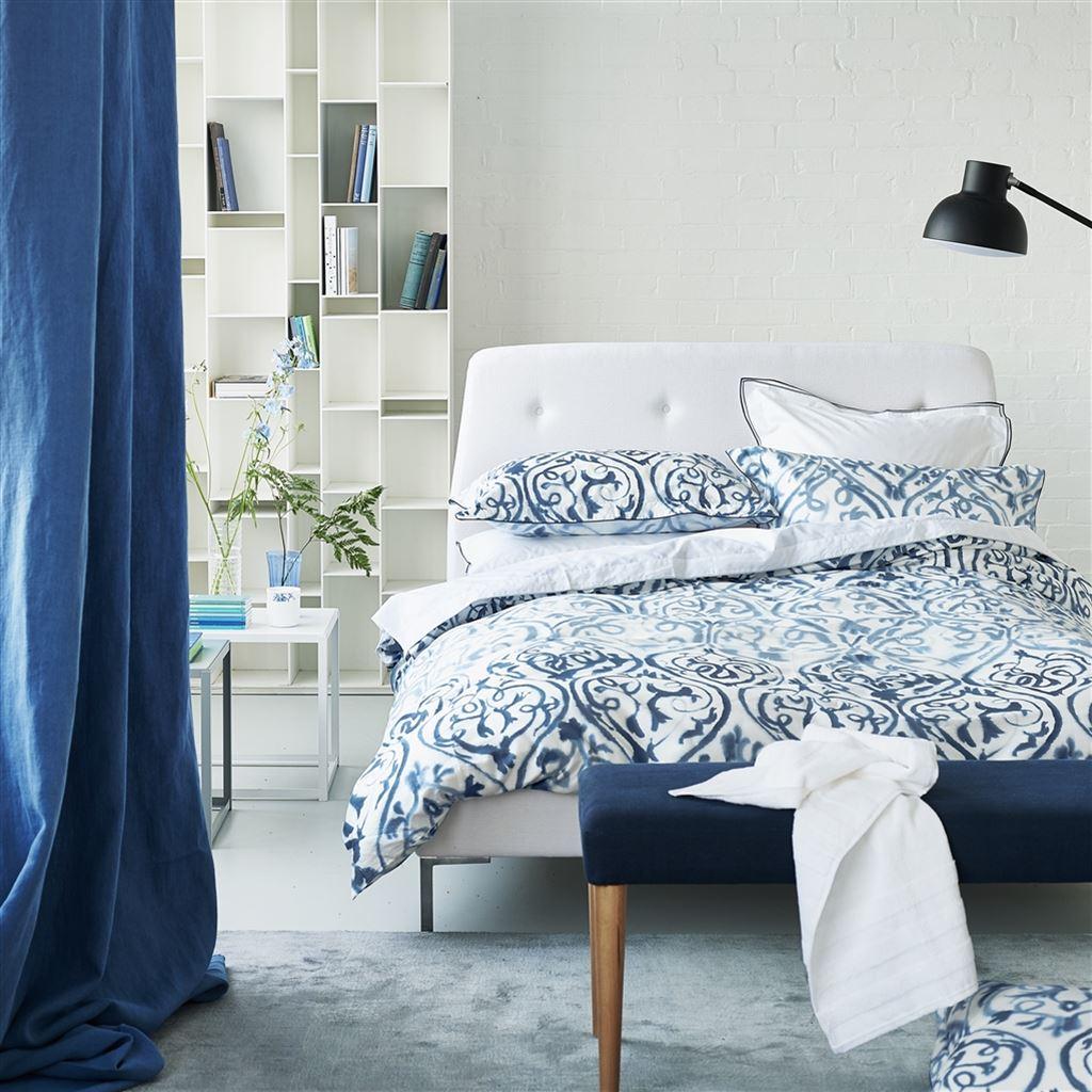 parure de lit arabesque indigo tissus s verine. Black Bedroom Furniture Sets. Home Design Ideas